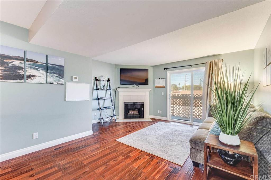 18. Residential for Sale at Belmont Long Beach, California 90804 United States