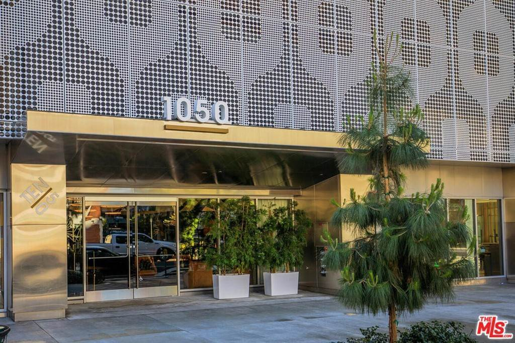 4. Residential Lease at S Grand Avenue Los Angeles, California 90015 United States