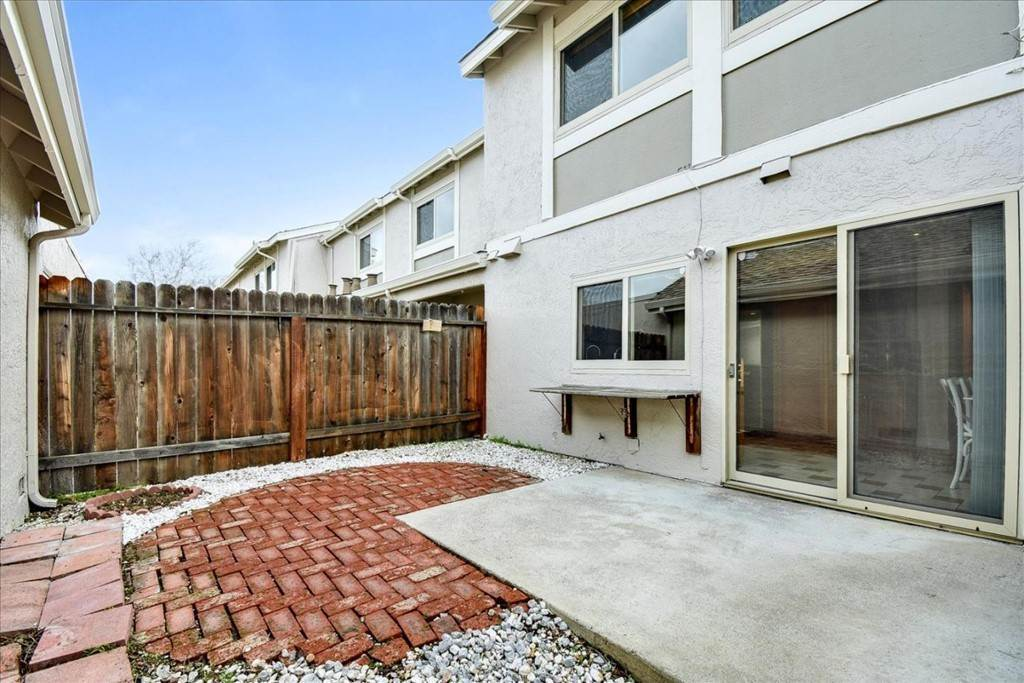 35. Residential for Sale at Falling Water Court Santa Clara, California 95054 United States