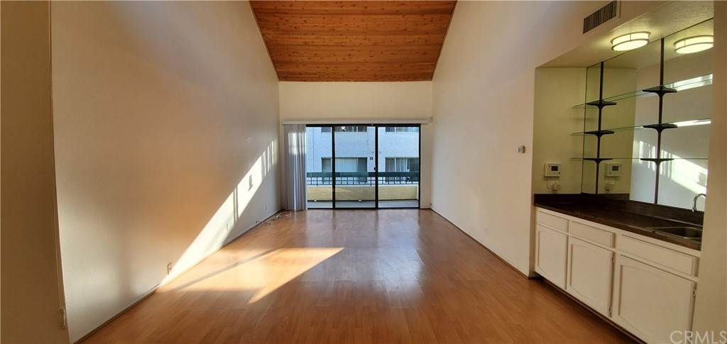 Residential for Sale at S La Fayette Park Place Los Angeles, California 90057 United States