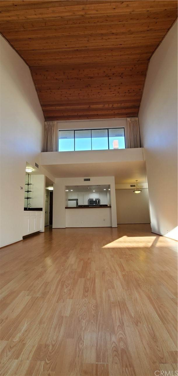 4. Residential for Sale at S La Fayette Park Place Los Angeles, California 90057 United States