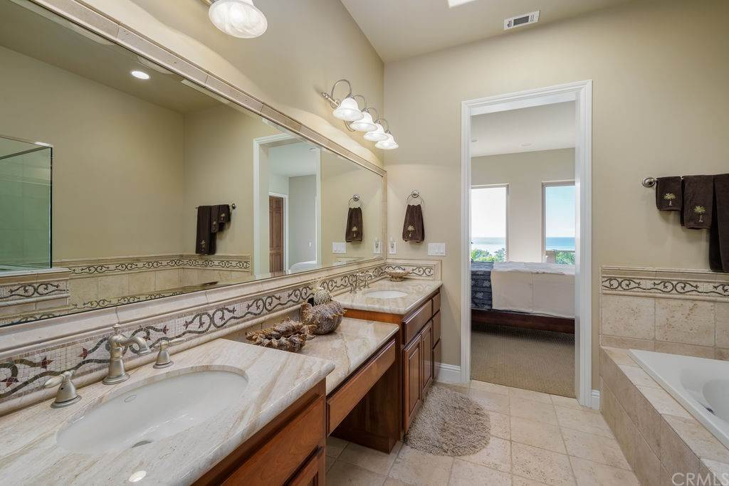 25. Residential for Sale at Costa Del Sol Pismo Beach, California 93449 United States