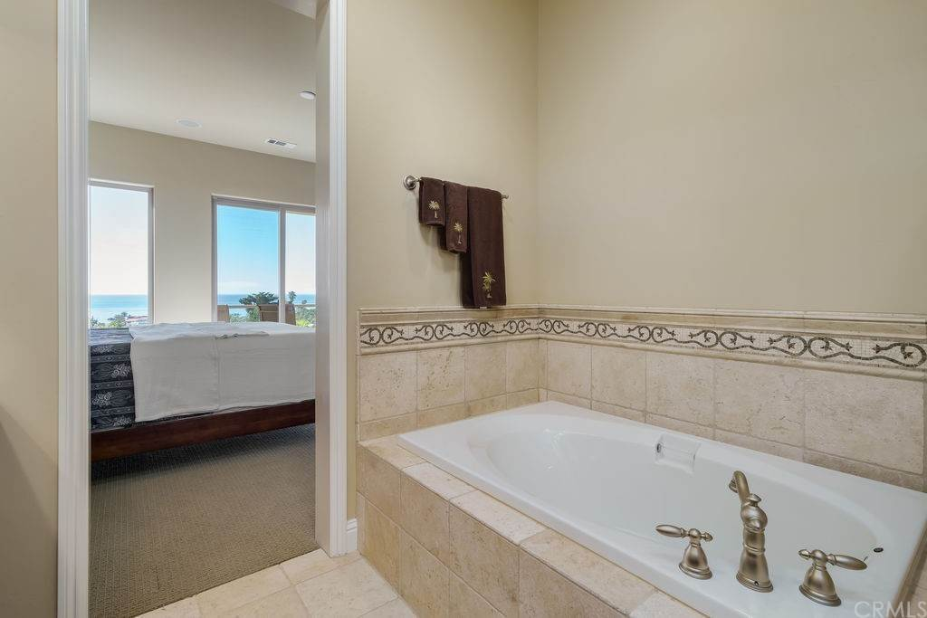 26. Residential for Sale at Costa Del Sol Pismo Beach, California 93449 United States