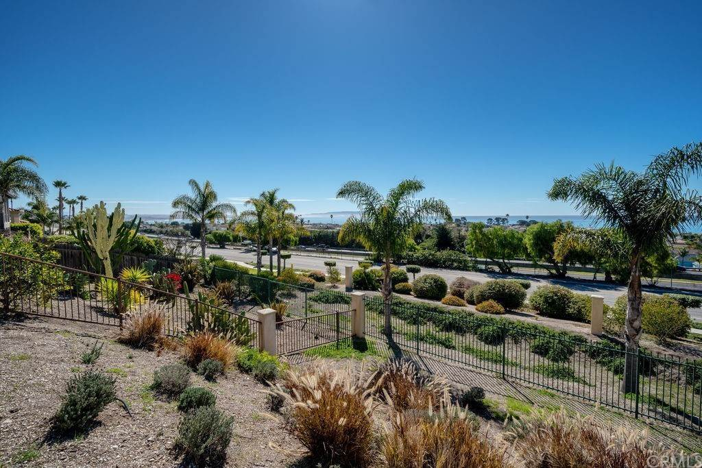 32. Residential for Sale at Costa Del Sol Pismo Beach, California 93449 United States
