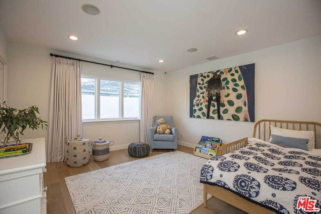 9. Residential Lease for Sale at 16Th Street Santa Monica, California 90402 United States