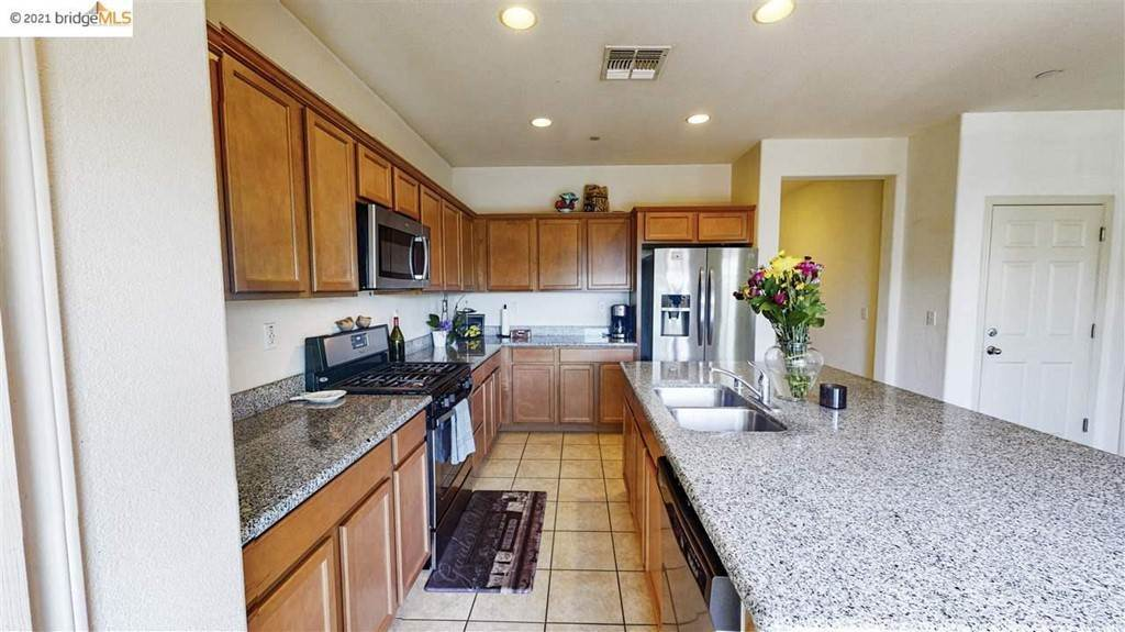 11. Residential for Sale at Gallery Drive Riverbank, California 95367 United States