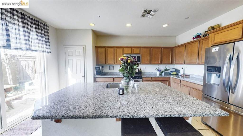 14. Residential for Sale at Gallery Drive Riverbank, California 95367 United States