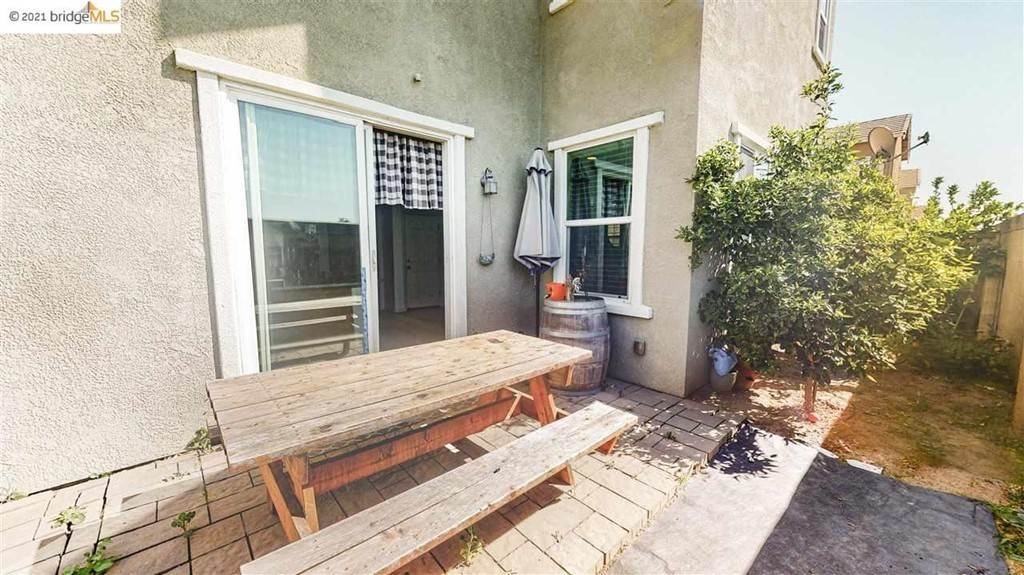 18. Residential for Sale at Gallery Drive Riverbank, California 95367 United States