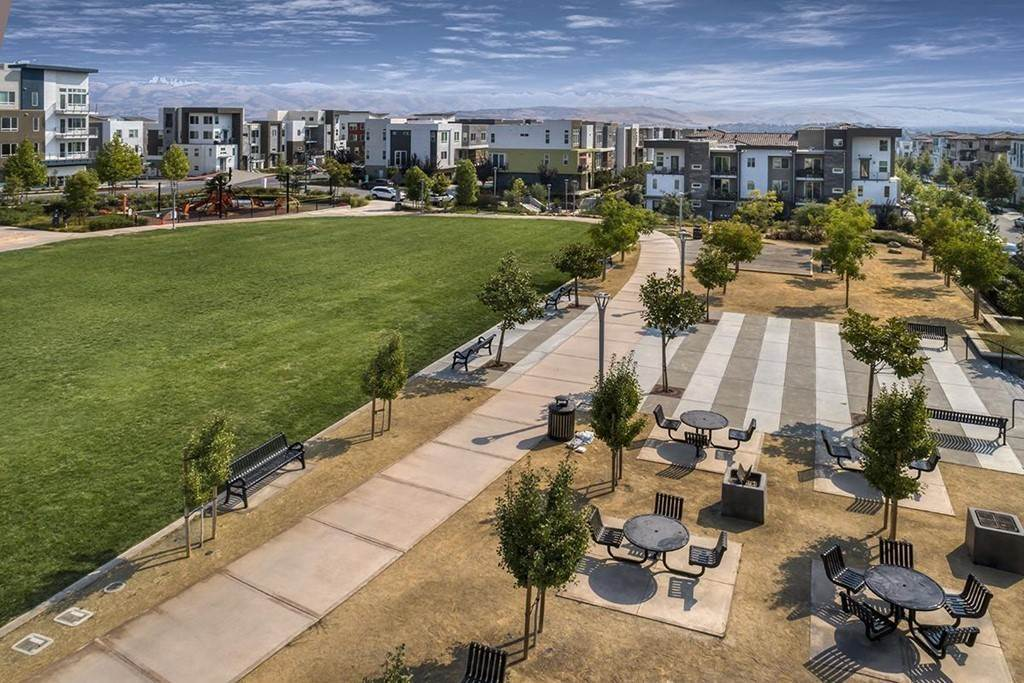 11. Residential for Sale at Jayhawkers Place San Jose, California 95136 United States