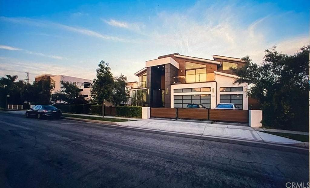 22. Residential for Sale at Lemoran Avenue Downey, California 90240 United States