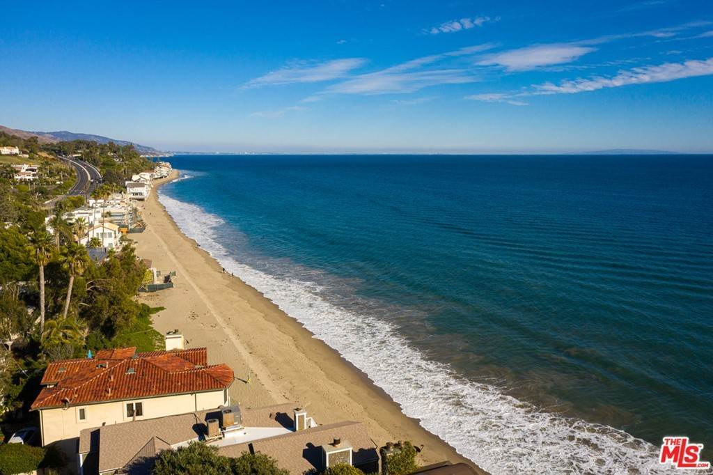 2. Residential for Sale at Pacific Coast Highway Malibu, California 90265 United States