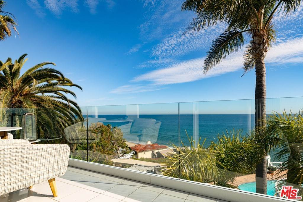 20. Residential for Sale at Pacific Coast Highway Malibu, California 90265 United States