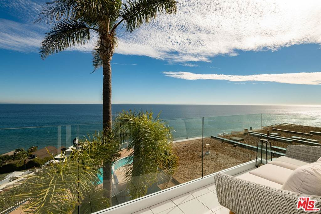 21. Residential for Sale at Pacific Coast Highway Malibu, California 90265 United States