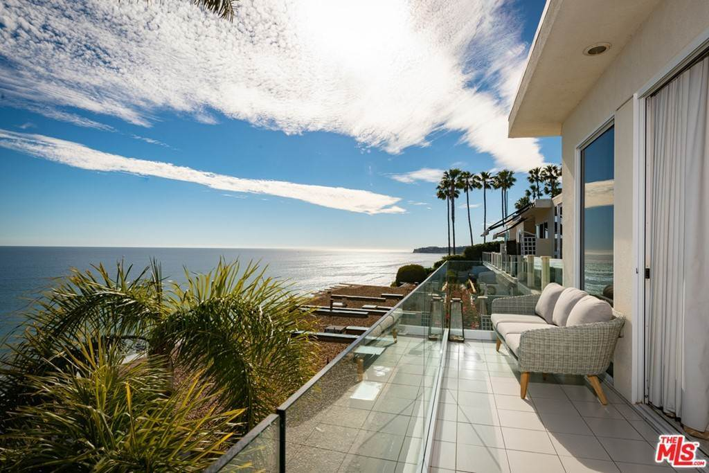 22. Residential for Sale at Pacific Coast Highway Malibu, California 90265 United States