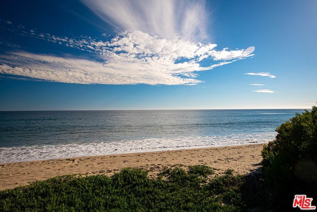 28. Residential for Sale at Pacific Coast Highway Malibu, California 90265 United States