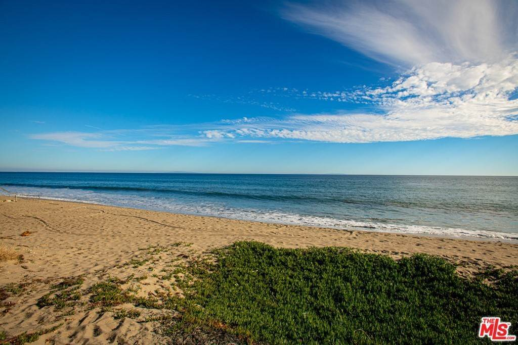 29. Residential for Sale at Pacific Coast Highway Malibu, California 90265 United States