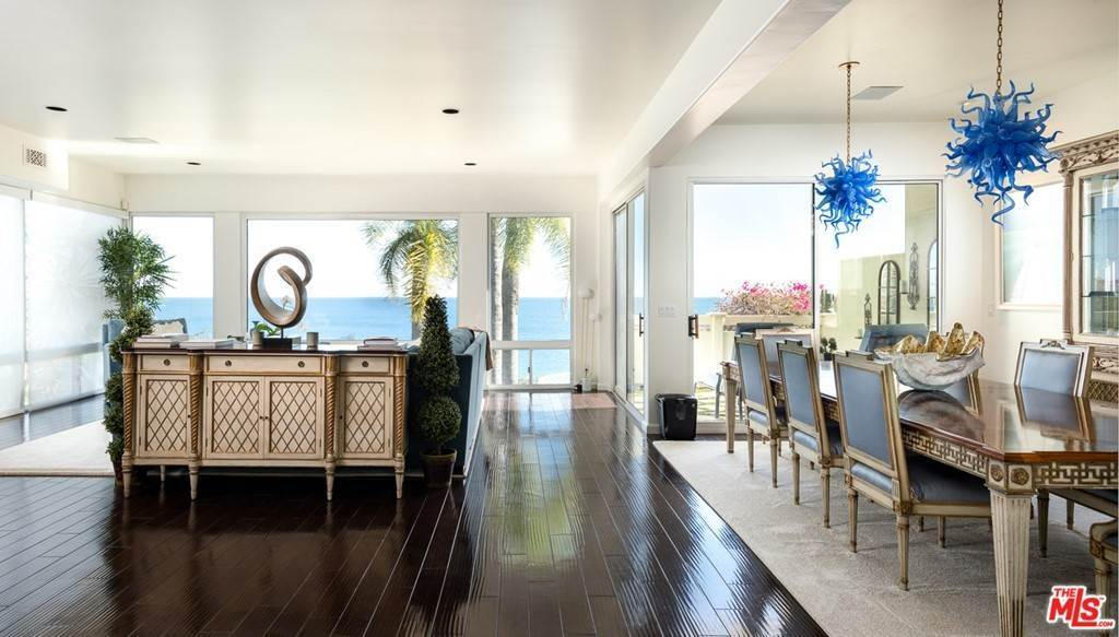 6. Residential for Sale at Pacific Coast Highway Malibu, California 90265 United States