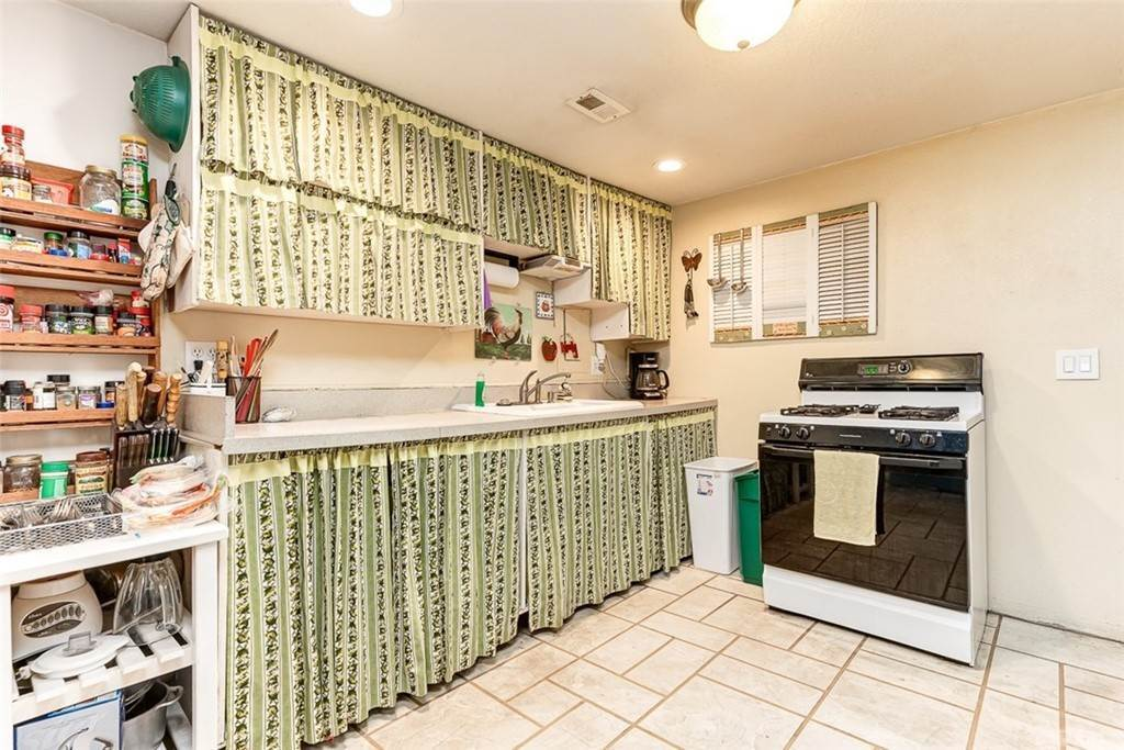 13. Residential for Sale at Blanche Avenue Garden Grove, California 92841 United States