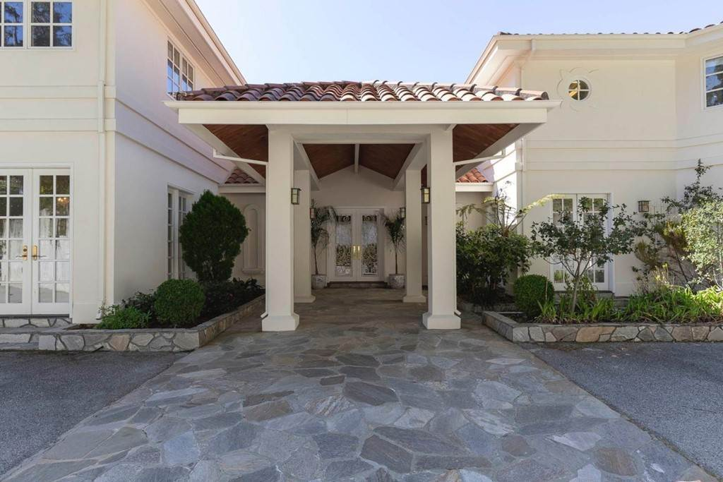 2. Residential for Sale at Boroughwood Place Hillsborough, California 94010 United States