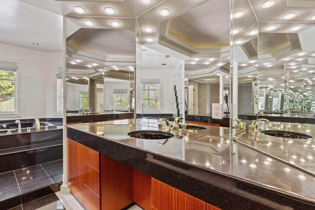28. Residential for Sale at Boroughwood Place Hillsborough, California 94010 United States