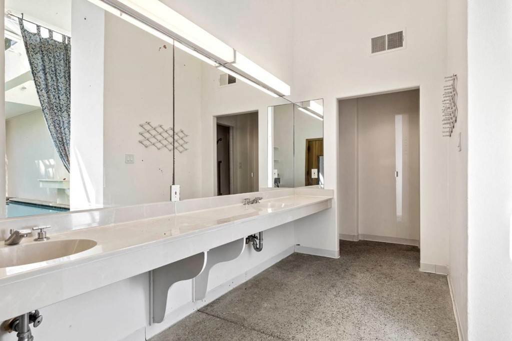 39. Residential for Sale at Boroughwood Place Hillsborough, California 94010 United States