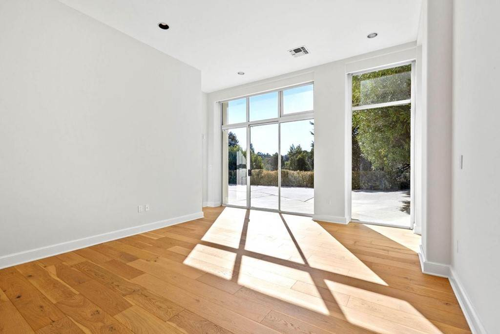 41. Residential for Sale at Boroughwood Place Hillsborough, California 94010 United States