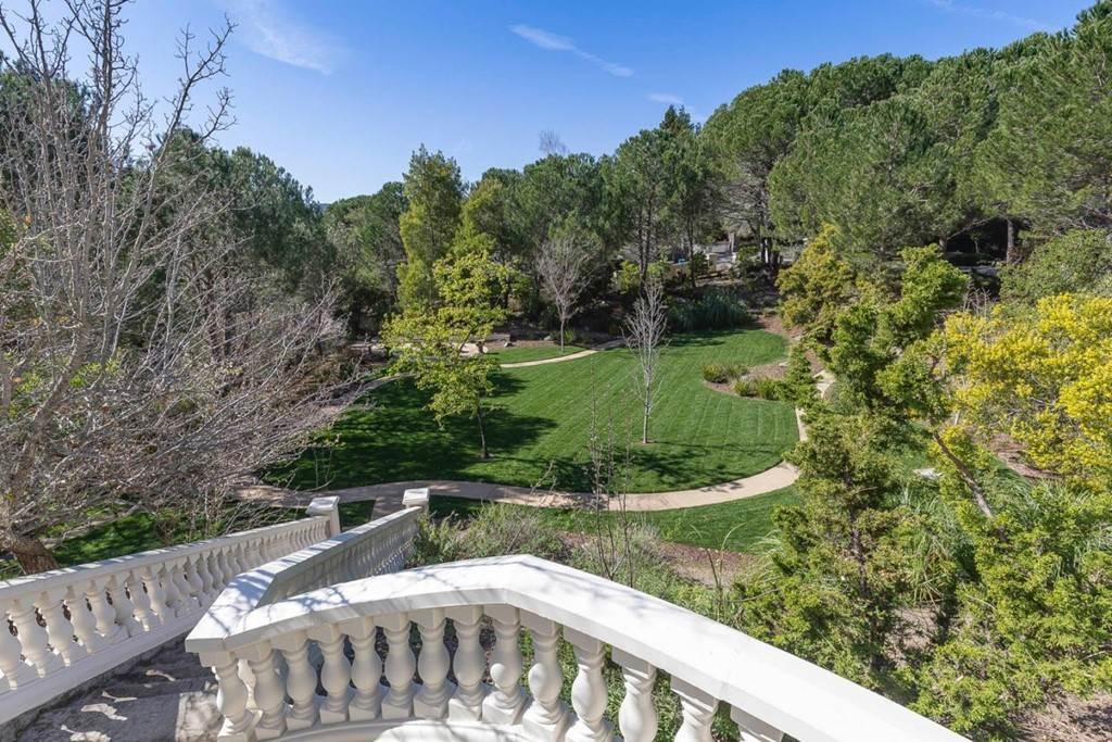 50. Residential for Sale at Boroughwood Place Hillsborough, California 94010 United States