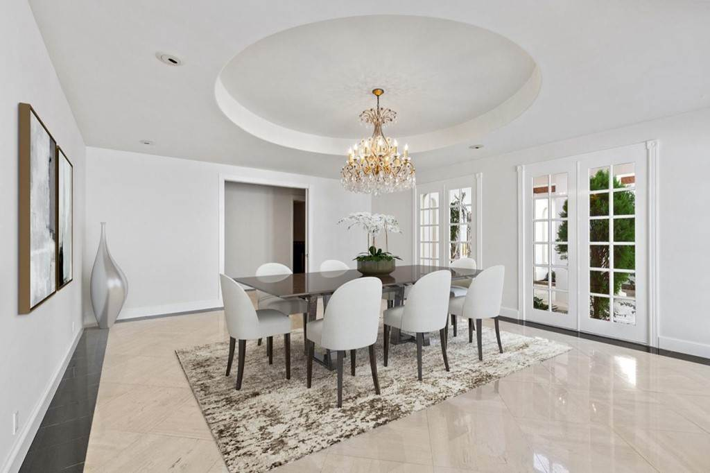 9. Residential for Sale at Boroughwood Place Hillsborough, California 94010 United States