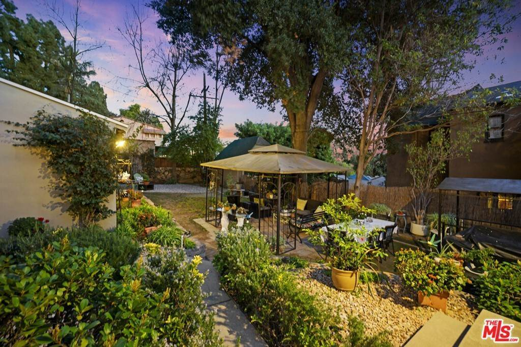 34. Residential for Sale at N Isabel Street Glendale, California 91207 United States