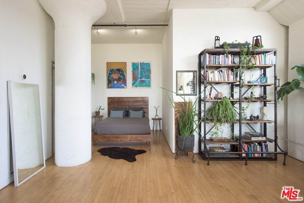 6. Residential for Sale at S San Pedro Street Los Angeles, California 90013 United States