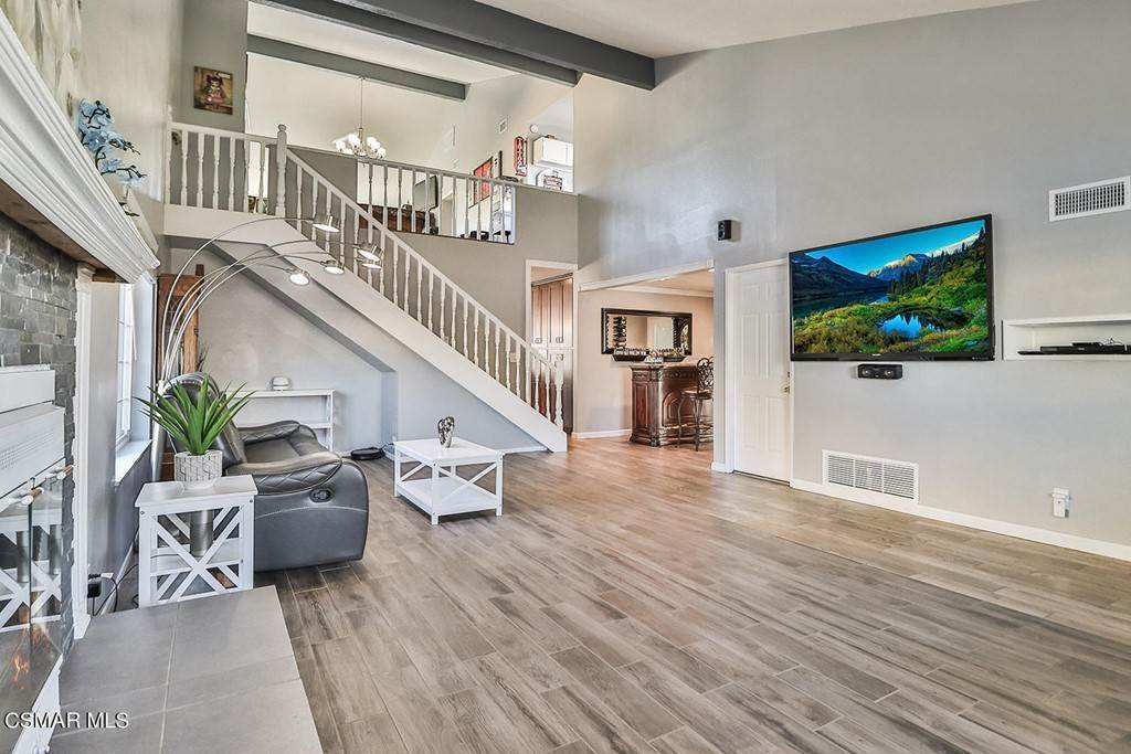 7. Residential for Sale at Currier Avenue Simi Valley, California 93065 United States