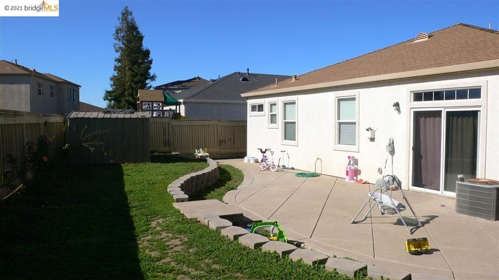 10. Residential for Sale at Big Oak Court Stockton, California 95205 United States