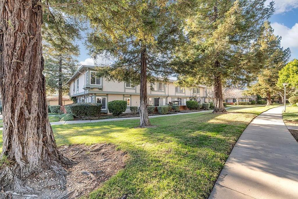 Residential for Sale at Lone Bluff Way San Jose, California 95111 United States