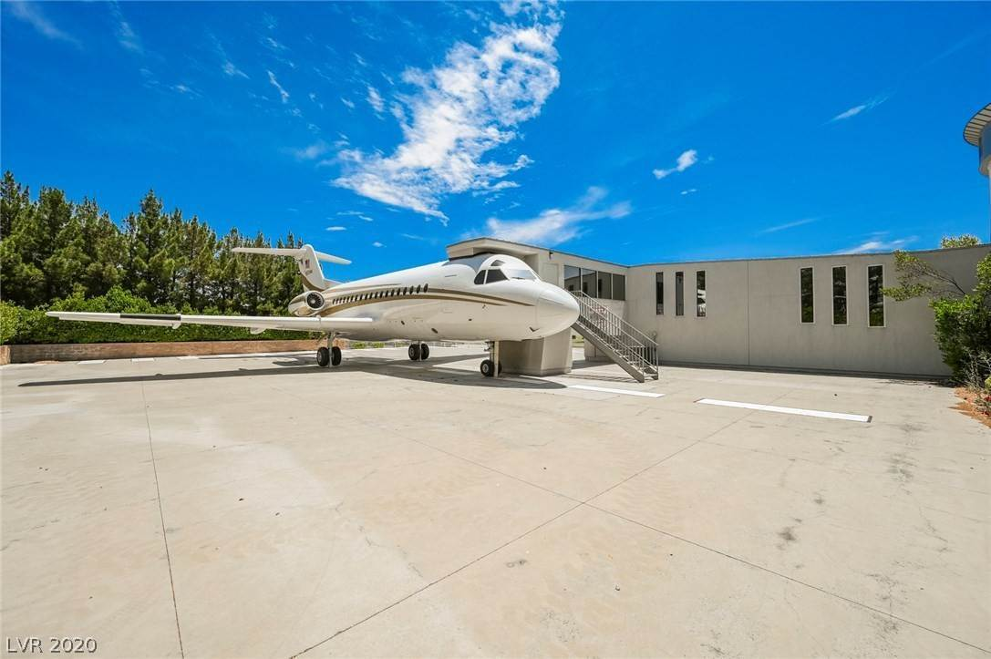 3. Residential for Sale at 6629 Pecos Road Las Vegas, Nevada 89120 United States