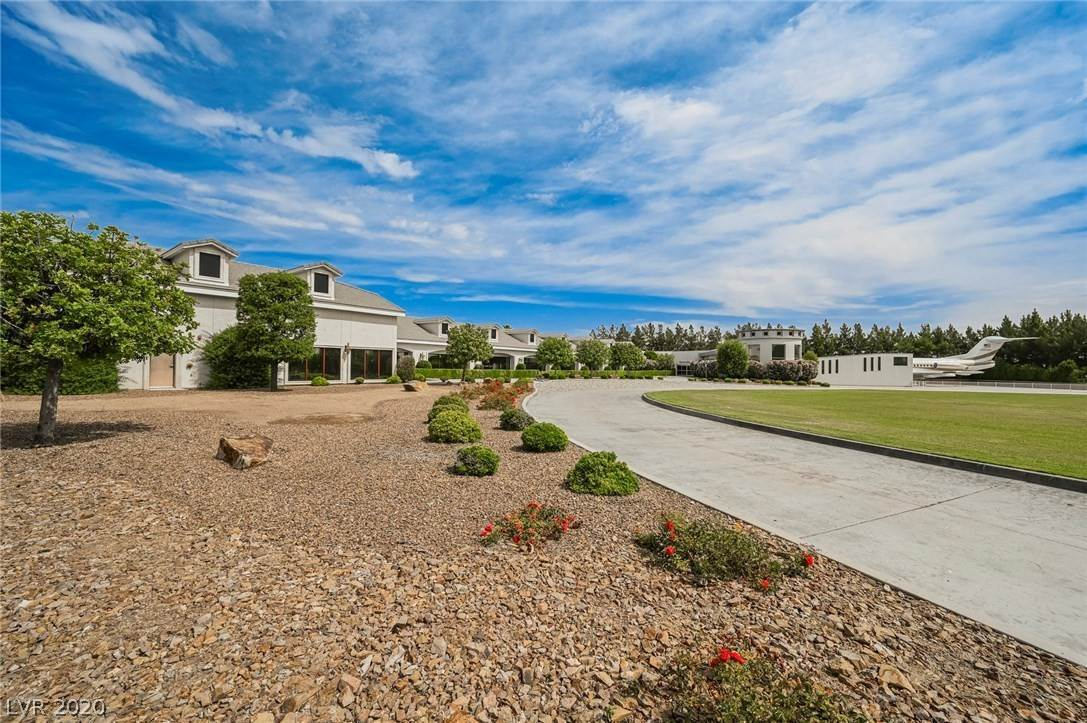 32. Residential for Sale at 6629 Pecos Road Las Vegas, Nevada 89120 United States