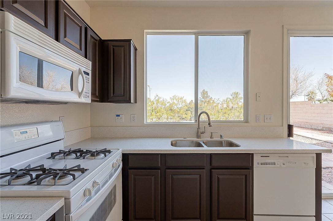 7. Residential for Sale at 2994 Paseo Hills Way Henderson, Nevada 89052 United States