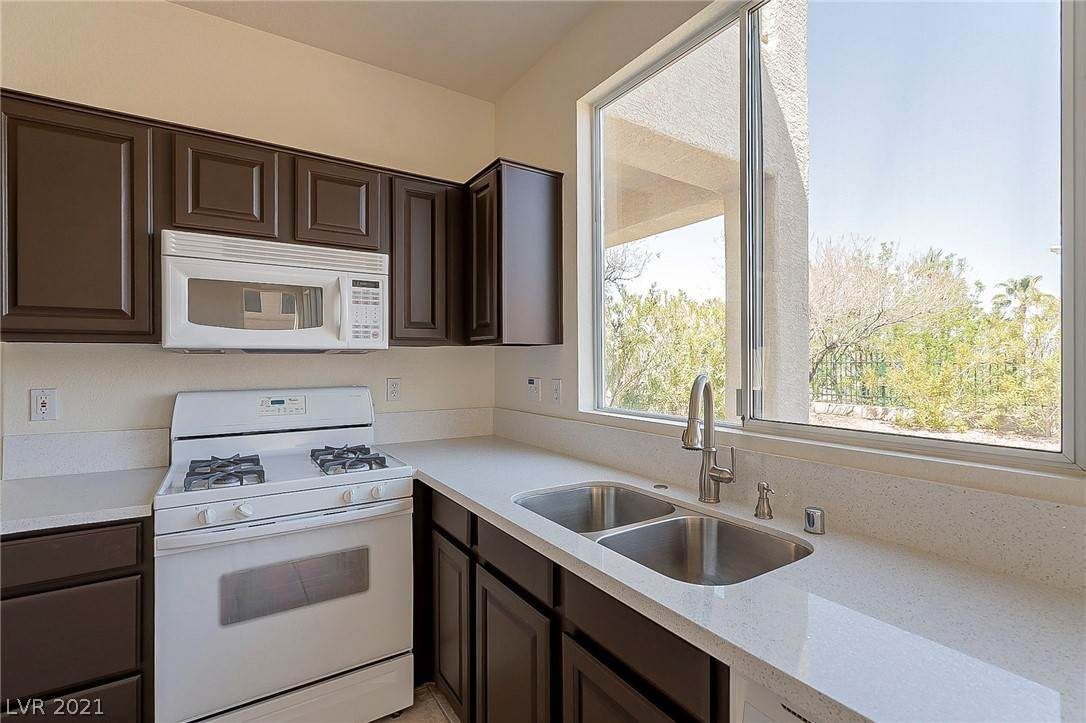 9. Residential for Sale at 2994 Paseo Hills Way Henderson, Nevada 89052 United States