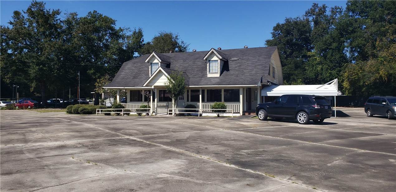 Commercial for Sale at 1520 W. Cherry Street Jesup, Georgia 31546 United States