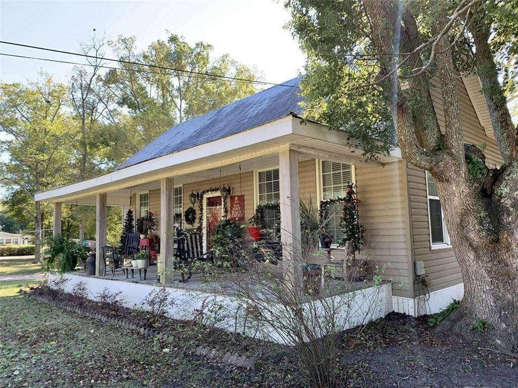 Residential for Sale at 307 Strickland Avenue Blackshear, Georgia 31516 United States