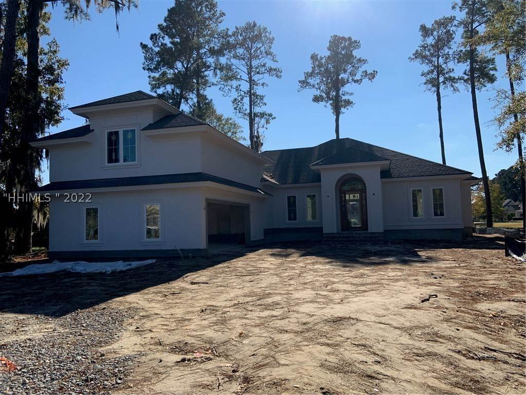 Single Family Homes for Sale at 8 Torrington Lane Bluffton, South Carolina 29910 United States