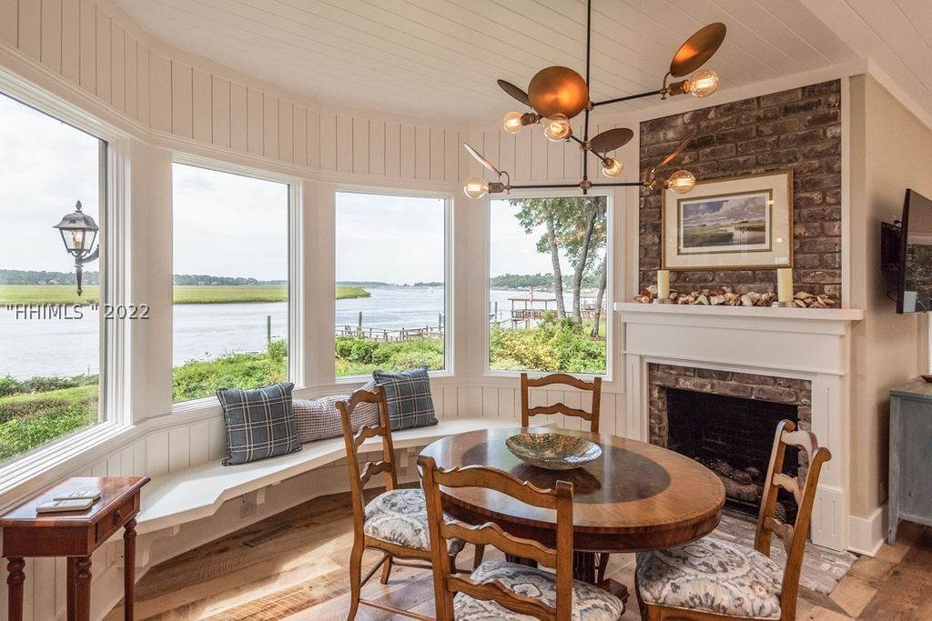 13. Single Family Homes for Sale at 2 Widewater Road Hilton Head Island, South Carolina 29926 United States