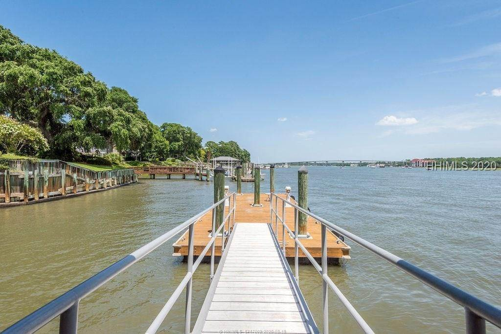 3. Single Family Homes for Sale at 2 Widewater Road Hilton Head Island, South Carolina 29926 United States