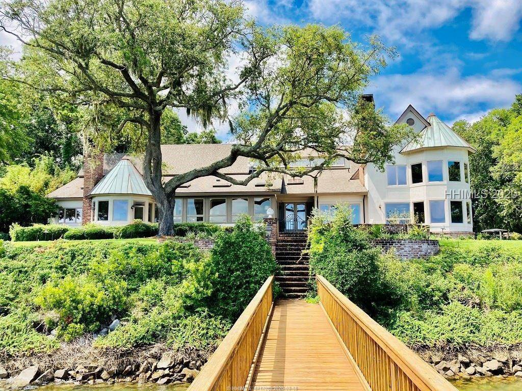 4. Single Family Homes for Sale at 2 Widewater Road Hilton Head Island, South Carolina 29926 United States