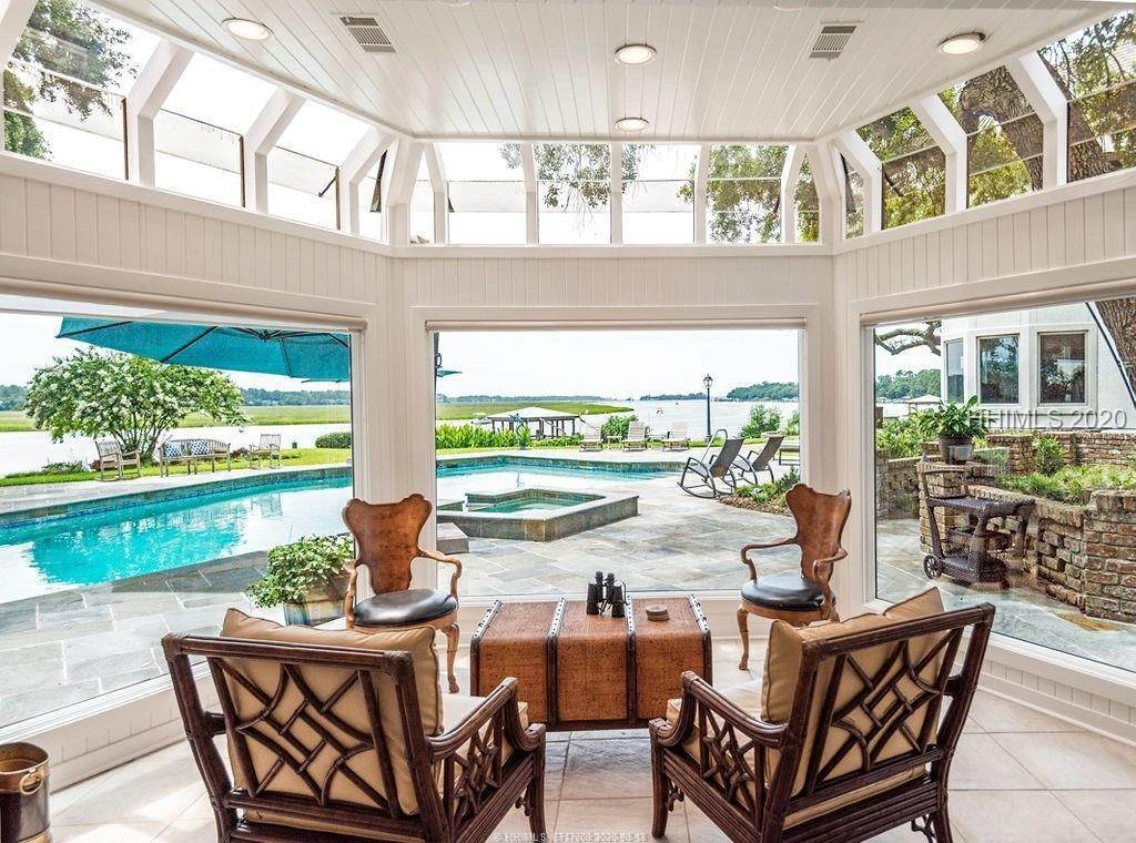 40. Single Family Homes for Sale at 2 Widewater Road Hilton Head Island, South Carolina 29926 United States
