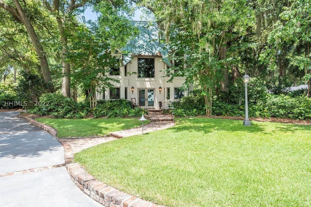 43. Single Family Homes for Sale at 2 Widewater Road Hilton Head Island, South Carolina 29926 United States