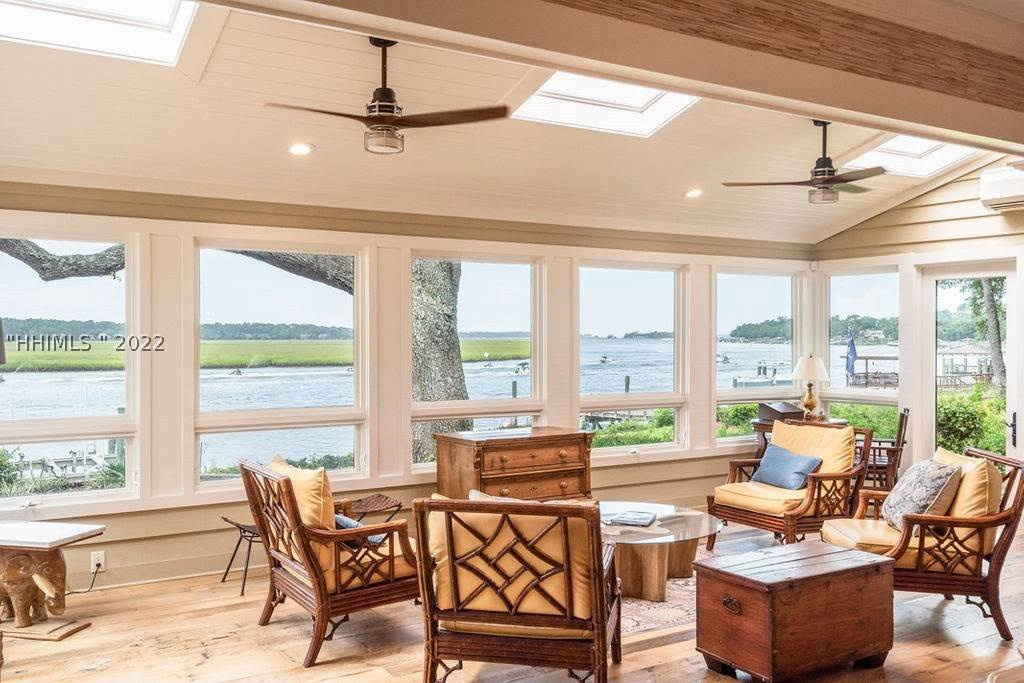 9. Single Family Homes for Sale at 2 Widewater Road Hilton Head Island, South Carolina 29926 United States