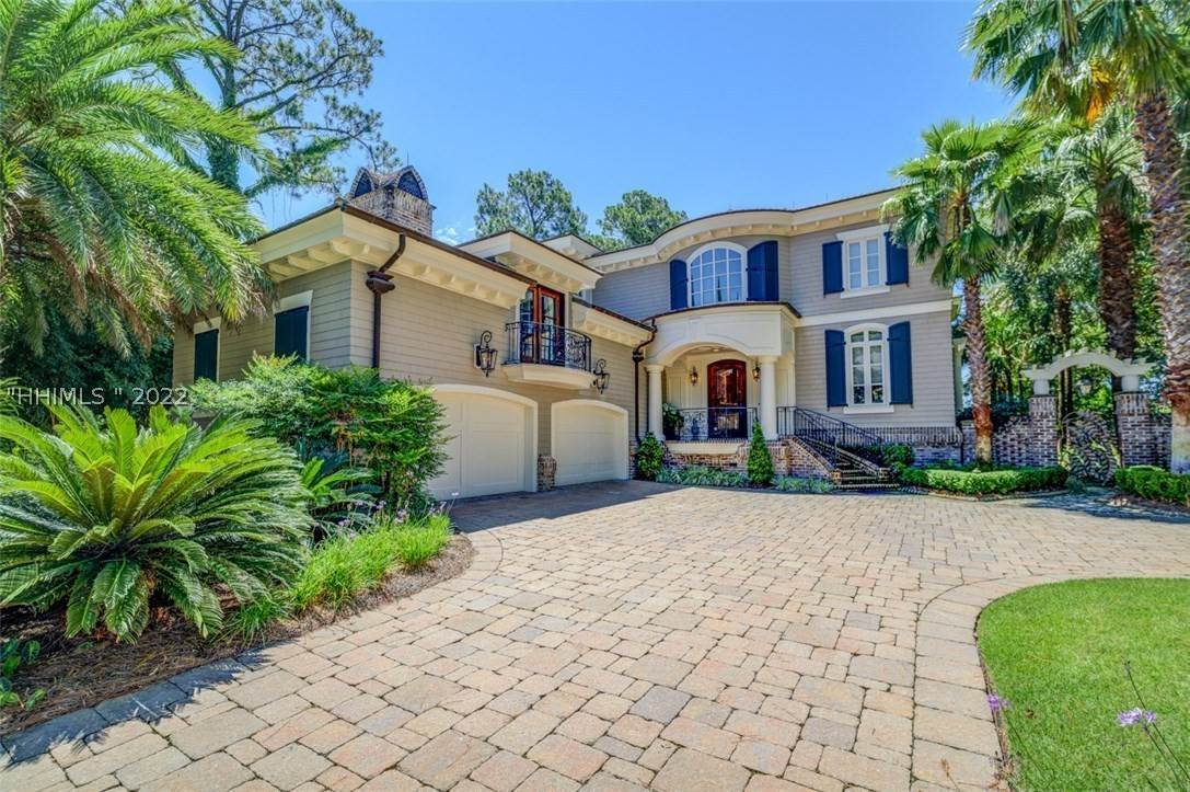 Single Family Homes for Sale at 23 Belted Kingfisher Hilton Head Island, South Carolina 29928 United States