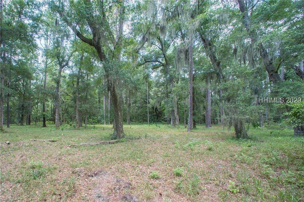 12. Land for Sale at 31 Headwaters Road Bluffton, South Carolina 29910 United States