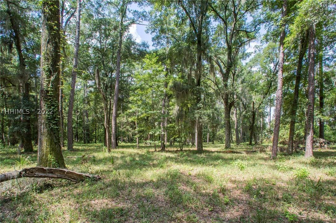 14. Land for Sale at 31 Headwaters Road Bluffton, South Carolina 29910 United States