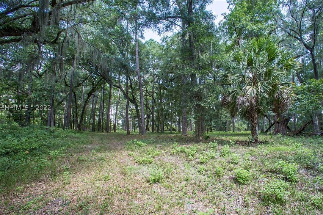 15. Land for Sale at 31 Headwaters Road Bluffton, South Carolina 29910 United States